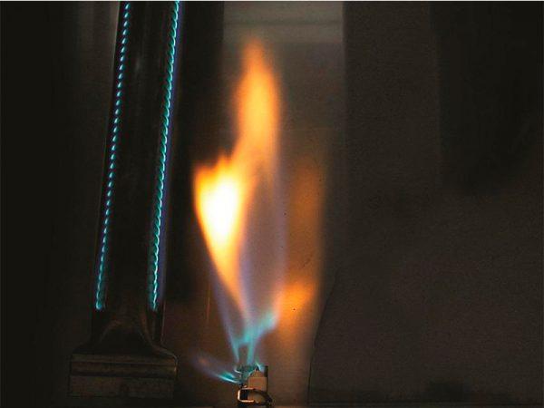 Газовый гриль Наполеон Triumph-325 горелка
