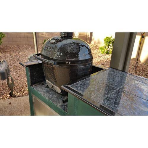 Керамический гриль Примо-Oval-Large-300 на природе-1
