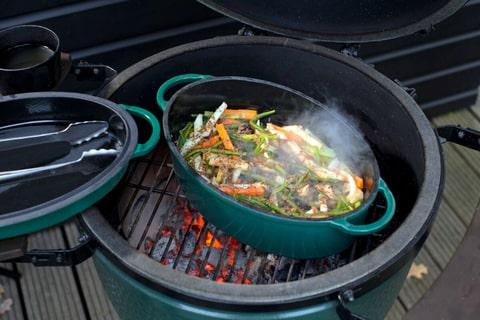 Жаровня чугунная овальная д/гриля, 5.2л, крышка, цвет зеленый Большое Зеленое Яйцо 1