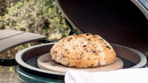 Выпечка на Big Green Egg