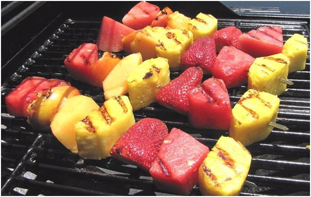 фрукты для гриля клубника