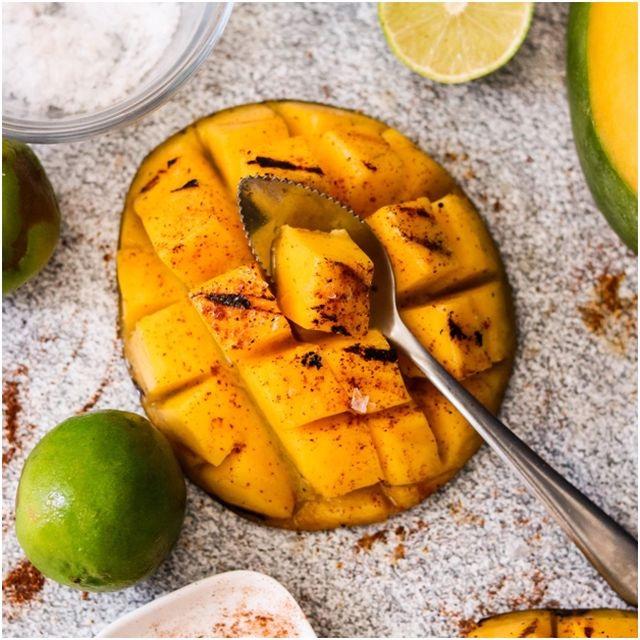 фрукты для гриля манго